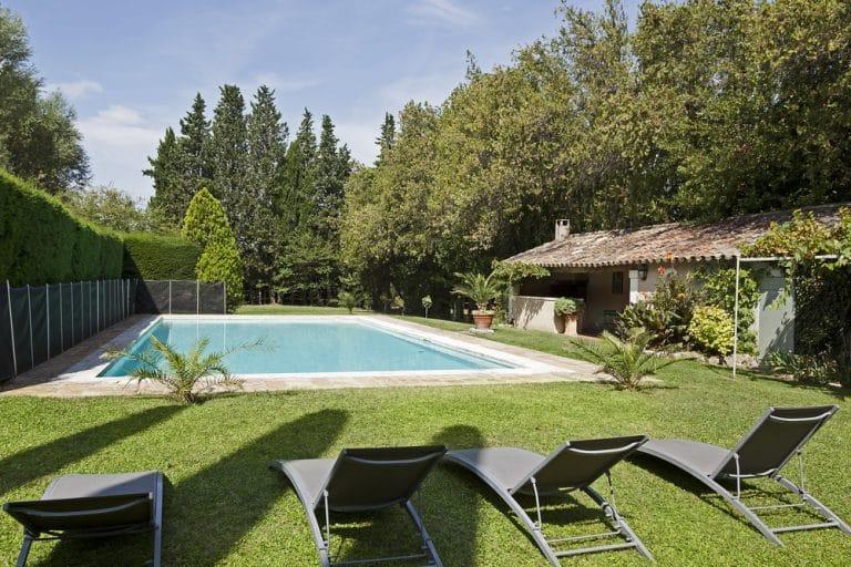 bains de soleil piscine saint remy de provence