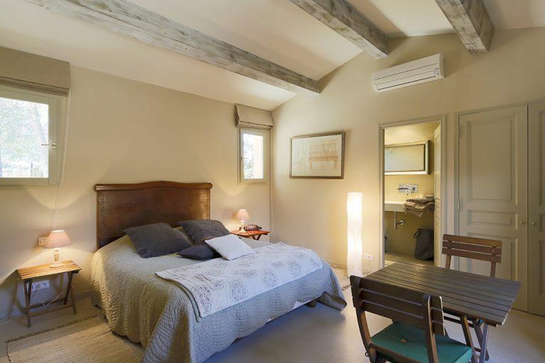 Chambre parentale équipée d'un lit de 160