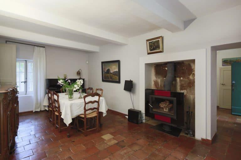 salle a manger avec cheminee saint remy de provence