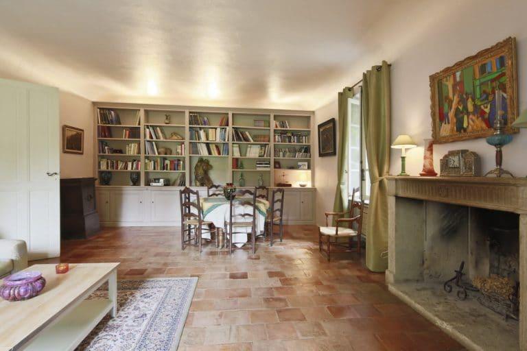 salon salle a manger cheminee saint remy de provence