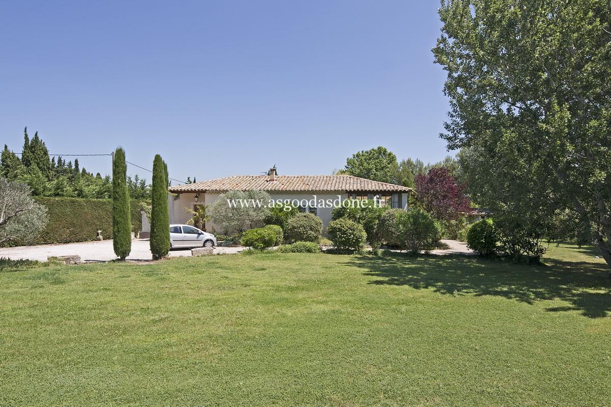Location maison bouches du rhone de luxe avec piscine for Camping saint remy de provence avec piscine