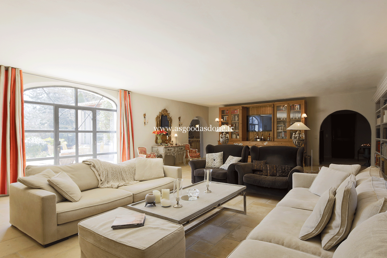 Location maison bouches du rhone de luxe avec piscine for Location villa salon de provence
