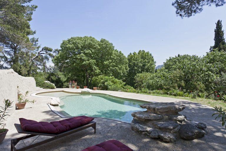 10 saint remy location alpilles avec piscine8