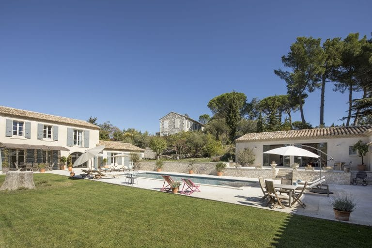 Mas-Saint-Remy-de-Provence-pergola-piscine-photoagad10
