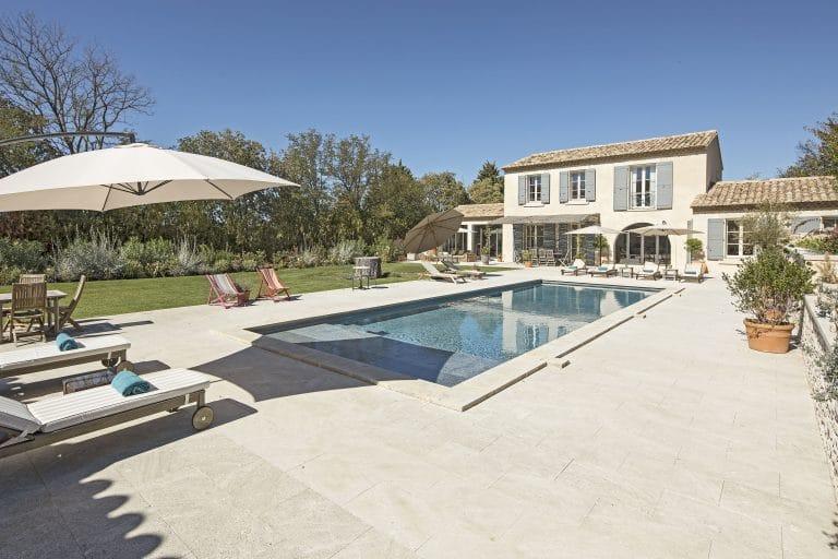 Mas-Saint-Remy-de-Provence-pergola-piscine-photoagad11