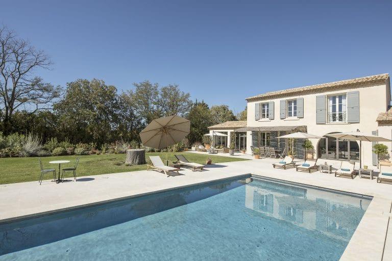 Mas-Saint-Remy-de-Provence-pergola-piscine-photoagad12