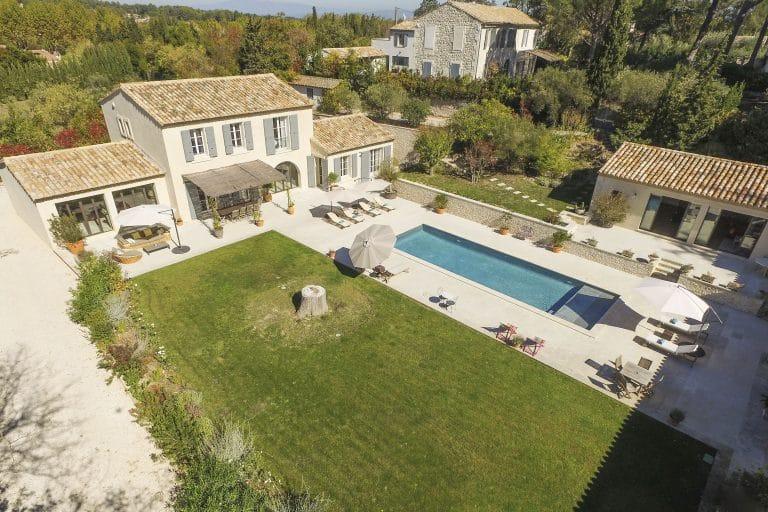 Mas-Saint-Remy-de-Provence-pergola-piscine-photoagad27