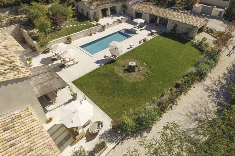Mas-Saint-Remy-de-Provence-pergola-piscine-photoagad28