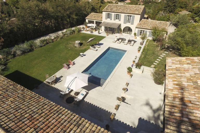 Mas-Saint-Remy-de-Provence-pergola-piscine-photoagad30